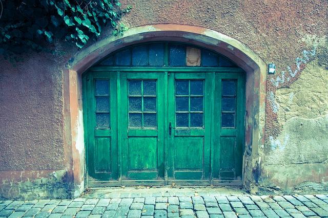 velké vchodové dveře