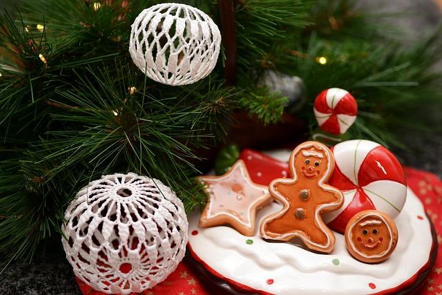 vánoční háčkované ozdoby)