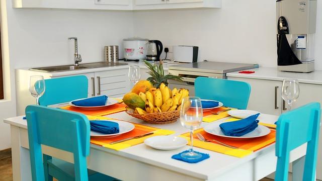 modré židle