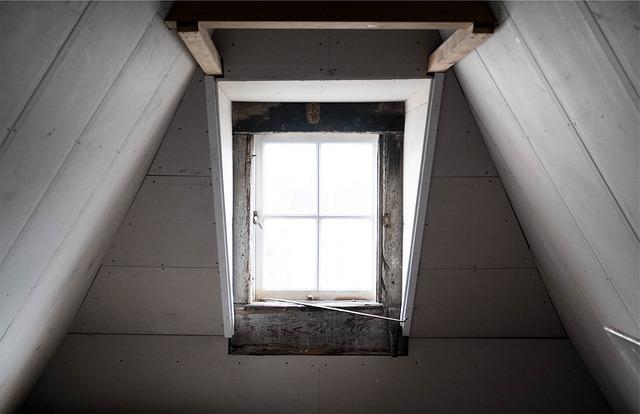 okno v podkroví