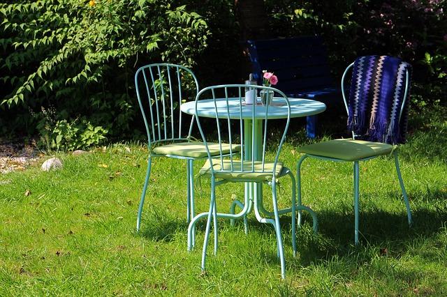 tyrkysový zahradní nábytek