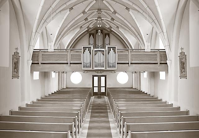 balkon v kostele